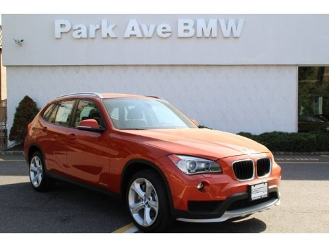 2013 bmw x1 sdrive 28i in mineral white metallic l64074. Black Bedroom Furniture Sets. Home Design Ideas