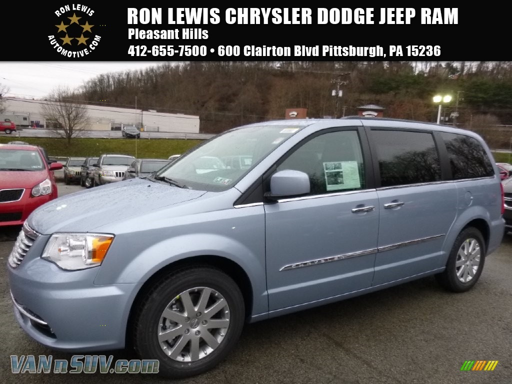 limited inventory town kidd chrysler country details used joe