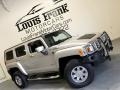 Hummer H3  Boulder Gray Metallic photo #2