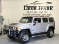 Hummer H3  Boulder Gray Metallic photo #16