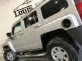 Hummer H3  Boulder Gray Metallic photo #23