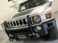 Hummer H3  Boulder Gray Metallic photo #24