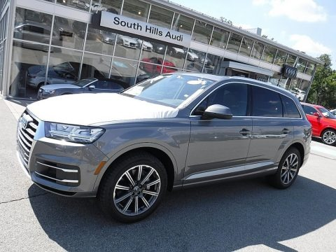 Graphite Gray Metallic 2017 Audi Q7 3.0T quattro Premium Plus