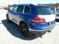 Volkswagen Touareg V6 Wolfsburg Reef Blue Metallic photo #4