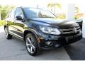 Volkswagen Tiguan Sport Deep Black Pearl photo #2