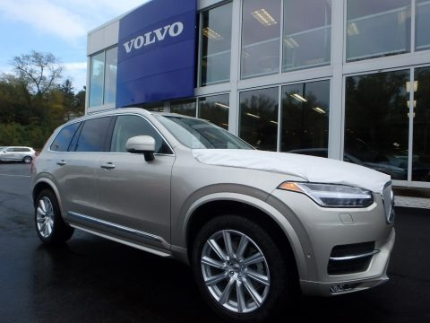 Luminous Sand Metallic 2018 Volvo XC90 T6 AWD
