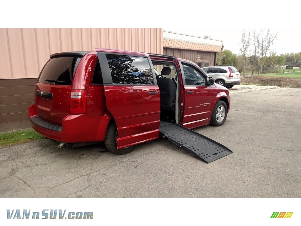 Inferno Red Crystal Pearl / Dark Slate/Light Shale Dodge Grand Caravan SE
