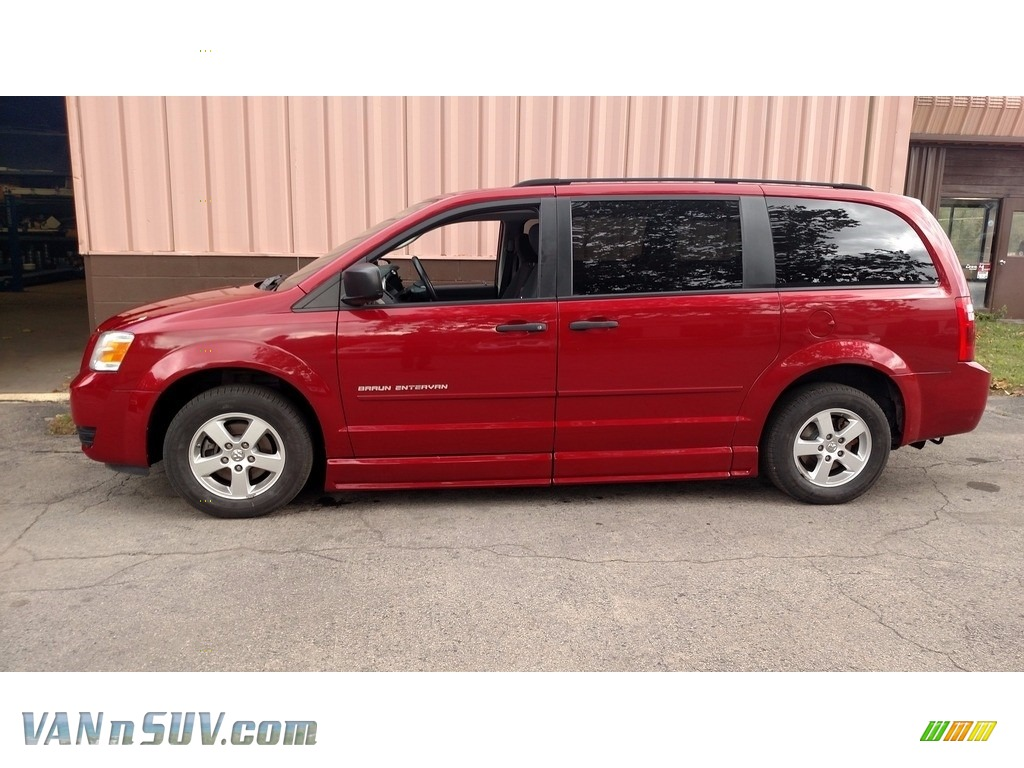2008 Grand Caravan SE - Inferno Red Crystal Pearl / Dark Slate/Light Shale photo #10
