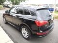 Audi Q5 2.0T quattro Brilliant Black photo #7