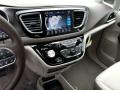 Chrysler Pacifica Touring L Plus Bright White photo #10