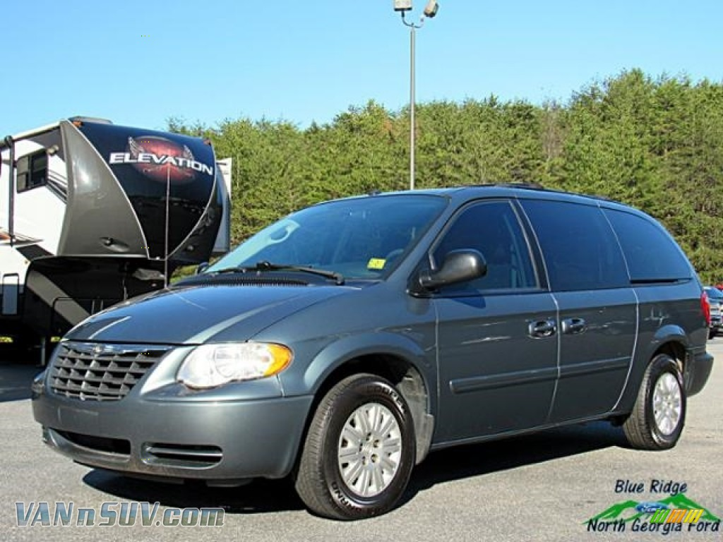 2007 Town & Country LX - Marine Blue Pearl / Medium Slate Gray photo #1