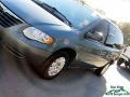 Chrysler Town & Country LX Marine Blue Pearl photo #23