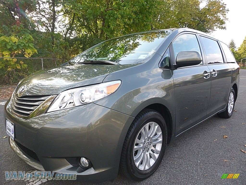 2013 Sienna XLE - Cypress Green Pearl / Bisque photo #1