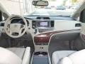 Toyota Sienna XLE Cypress Green Pearl photo #36