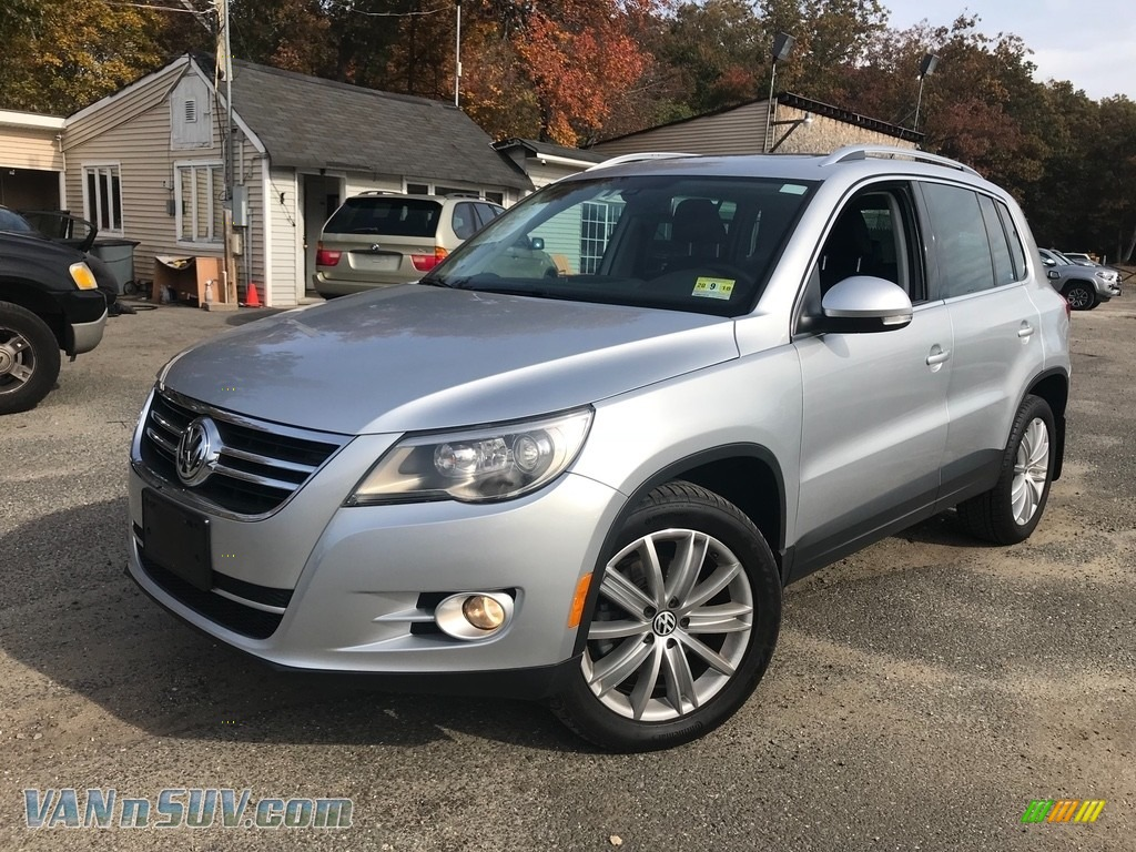 2011 Tiguan SEL 4Motion - Reflex Silver Metallic / Charcoal photo #1