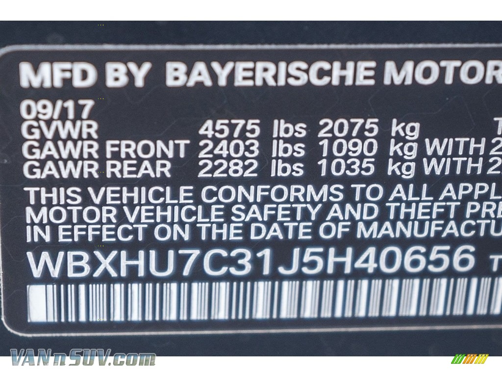 2018 X1 sDrive28i - Black Sapphire Metallic / Black photo #11