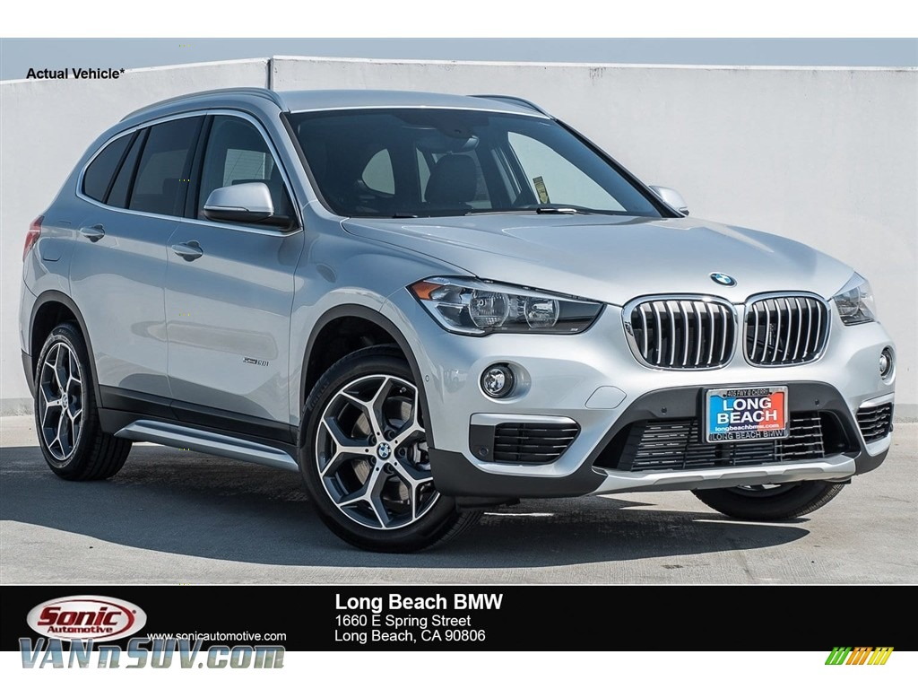 2018 X1 sDrive28i - Glacier Silver Metallic / Black photo #1