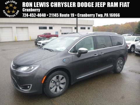 Granite Crystal Metallic 2018 Chrysler Pacifica Hybrid Limited