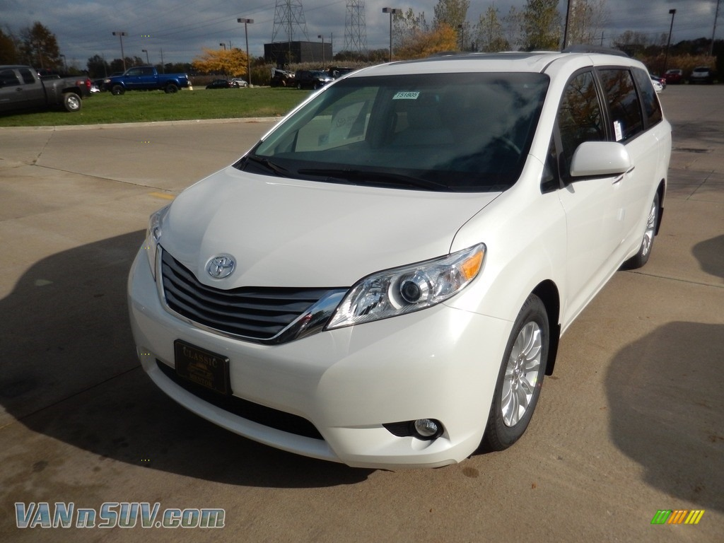 2017 Sienna XLE - Blizzard White Pearl / Ash photo #1