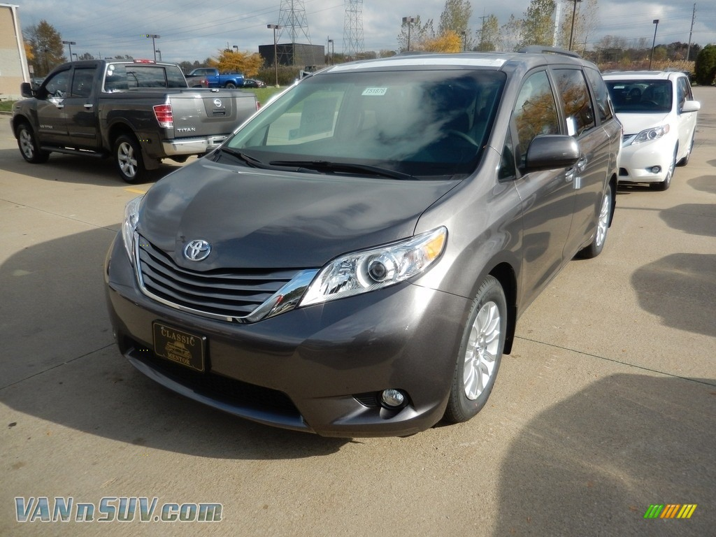 2017 Sienna XLE - Predawn Gray Mica / Ash photo #1