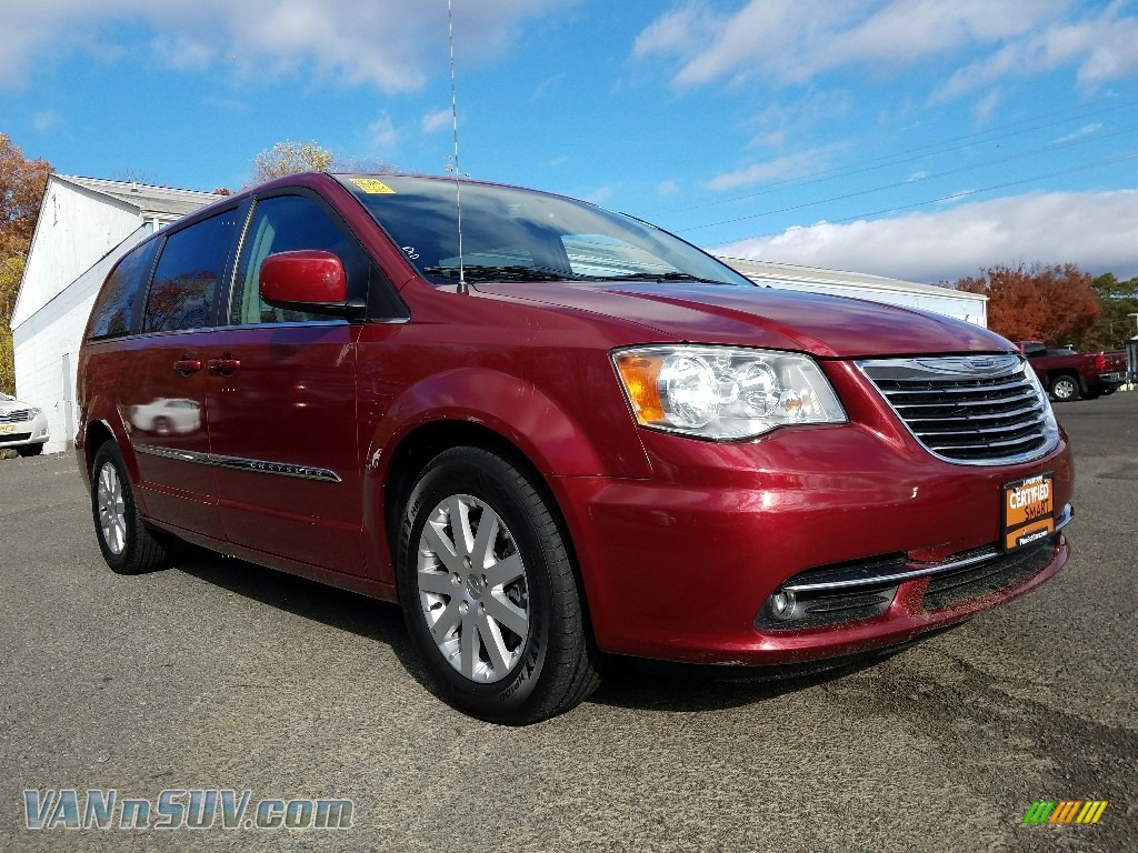 2015 Town & Country Touring - Deep Cherry Red Crystal Pearl / Black/Light Graystone photo #1