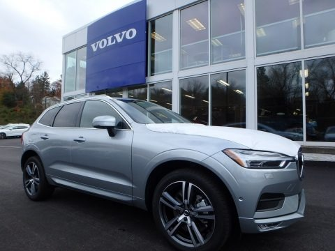Electric Silver Metallic 2018 Volvo XC60 T6 AWD Momentum