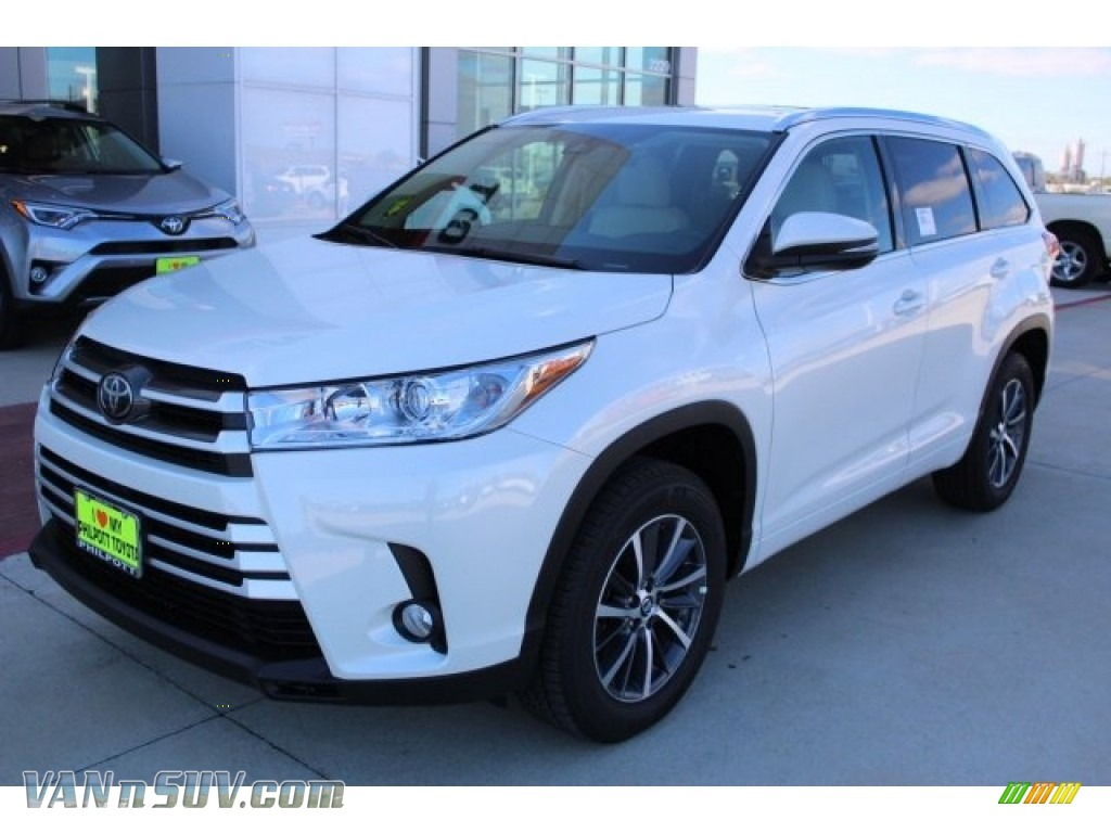 2018 Highlander XLE - Blizzard White Pearl / Almond photo #3