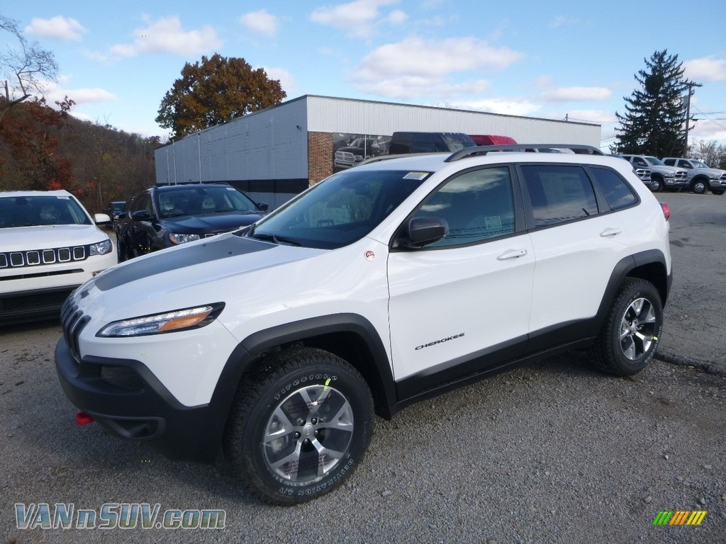 2018 Cherokee Trailhawk 4x4 - Bright White / Black photo #1