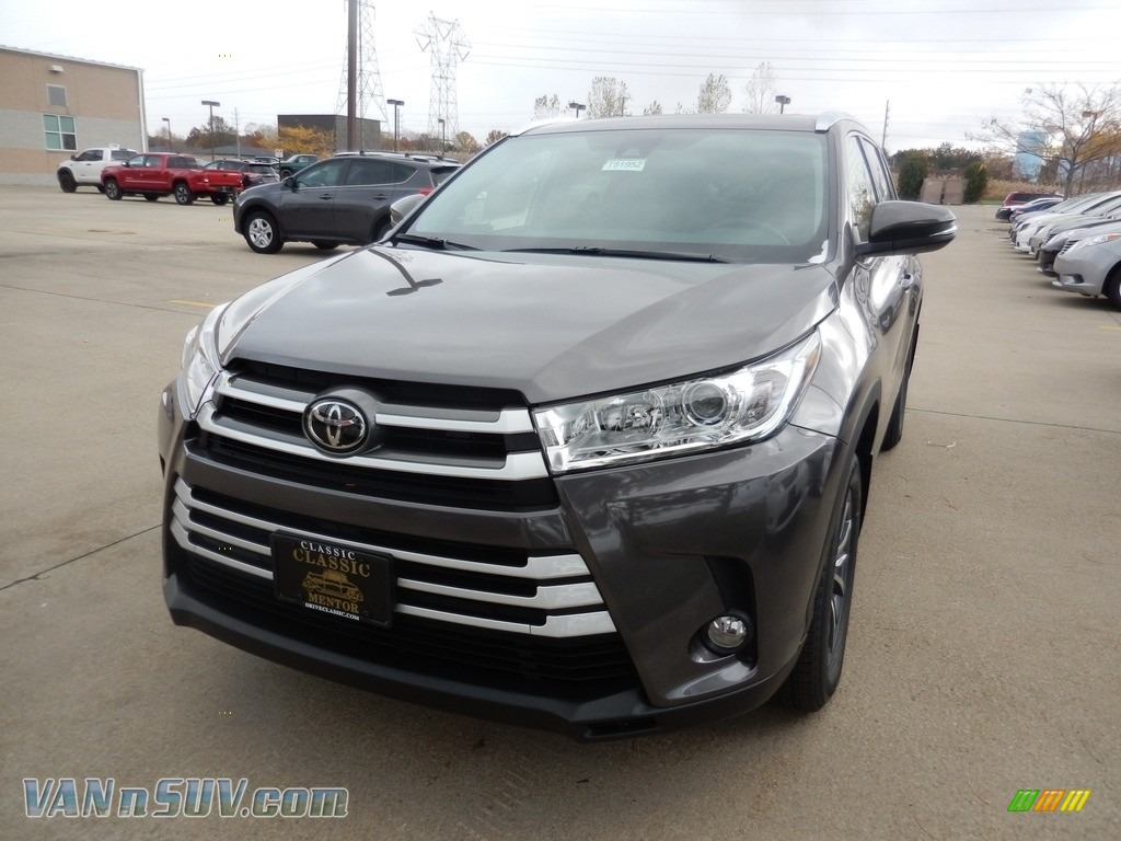 2018 Highlander XLE AWD - Predawn Gray Mica / Black photo #1