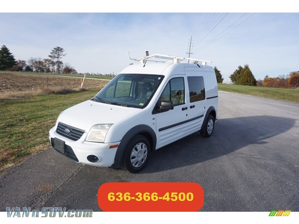 Frozen White / Dark Grey Ford Transit Connect XLT Van