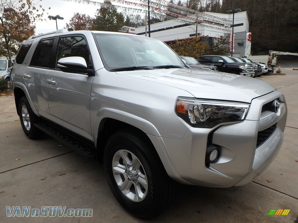 2018 4Runner SR5 4x4 - Classic Silver Metallic / Black photo #1