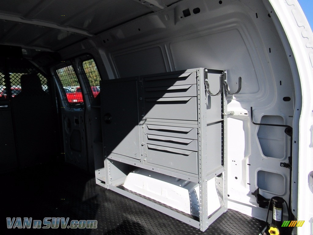 2012 E Series Van E250 Cargo - Oxford White / Medium Flint photo #40