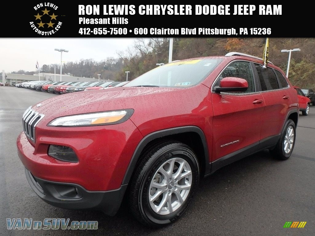 2016 Cherokee Latitude 4x4 - Deep Cherry Red Crystal Pearl / Black photo #1