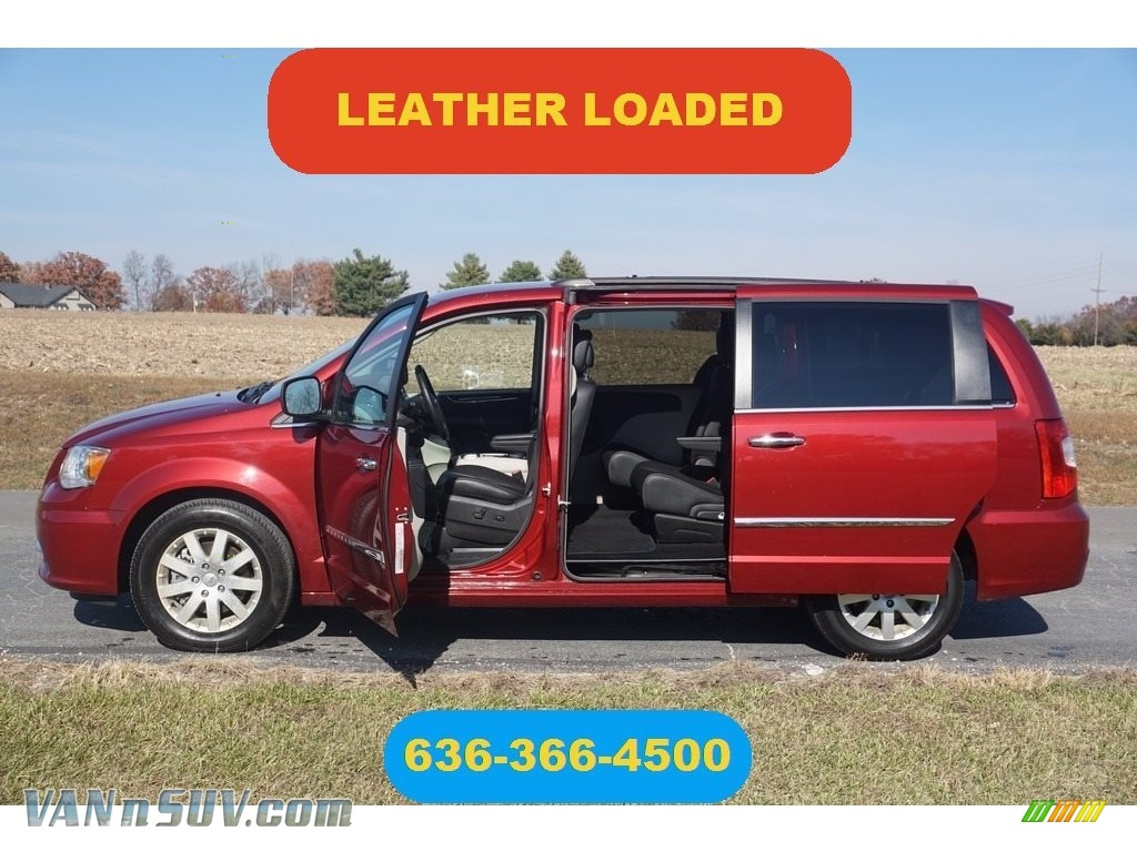 2016 Town & Country Touring - Deep Cherry Red Crystal Pearl / Black/Light Graystone photo #1