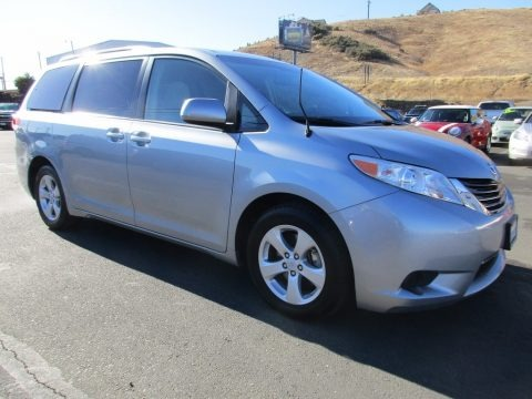Shoreline Blue Pearl 2014 Toyota Sienna LE