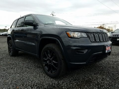 Diamond Black Crystal Pearl 2018 Jeep Grand Cherokee Altitude 4x4
