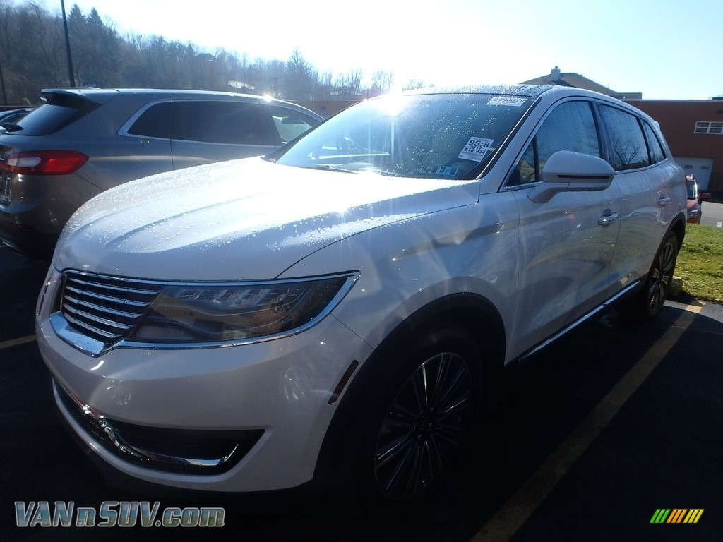 White Platinum / Modern Heritage Theme Lincoln MKX Black Label AWD