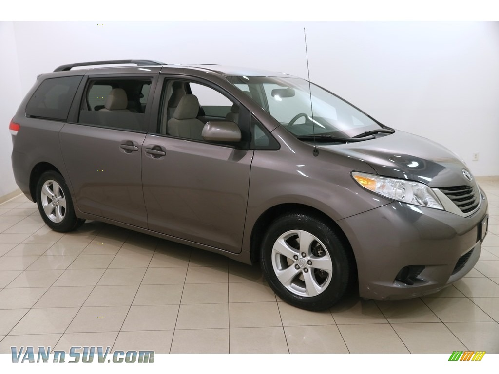 2014 Sienna LE - Predawn Gray Mica / Light Gray photo #1