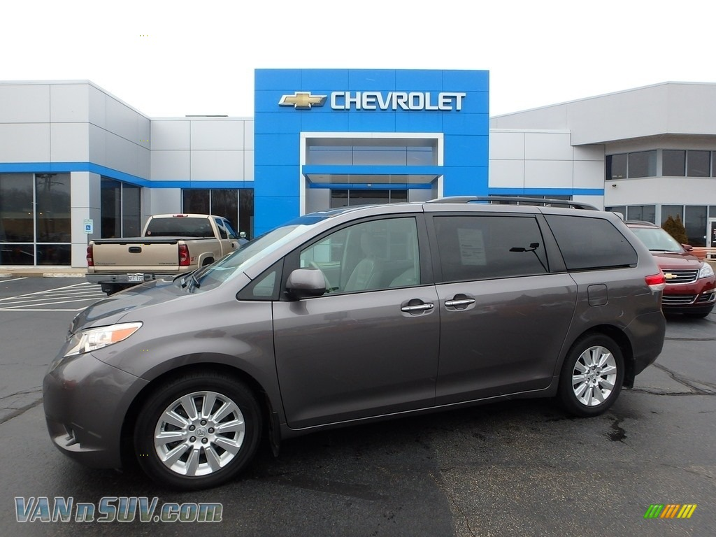 2011 Sienna XLE AWD - Predawn Gray Mica / Light Gray photo #1