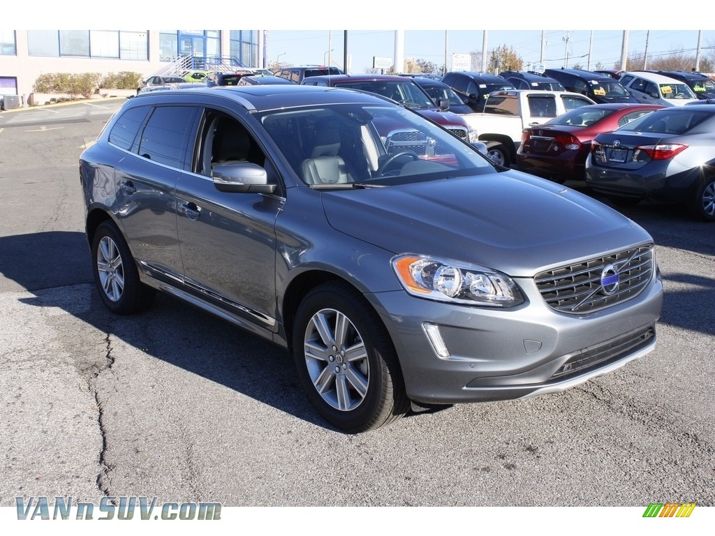 2017 XC60 T5 AWD Inscription - Osmium Grey Metallic / Off Black photo #1