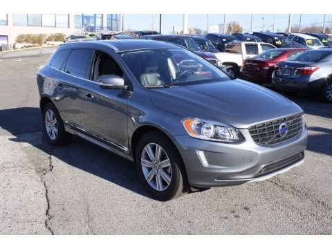 Osmium Grey Metallic 2017 Volvo XC60 T5 AWD Dynamic