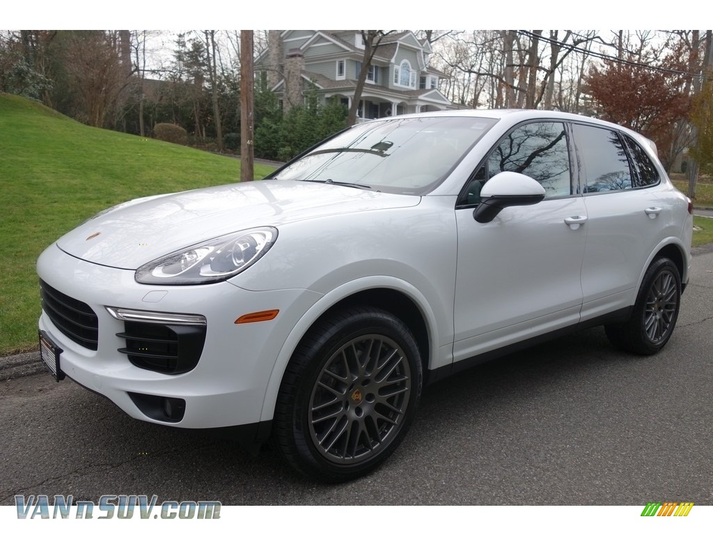 White / Black Porsche Cayenne Platinum Edition