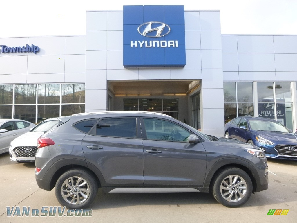 2017 Tucson SE AWD - Coliseum Gray / Gray photo #1