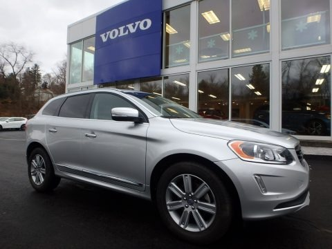 Bright Silver Metallic 2017 Volvo XC60 T5 Inscription