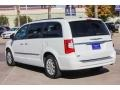Chrysler Town & Country Touring Bright White photo #5