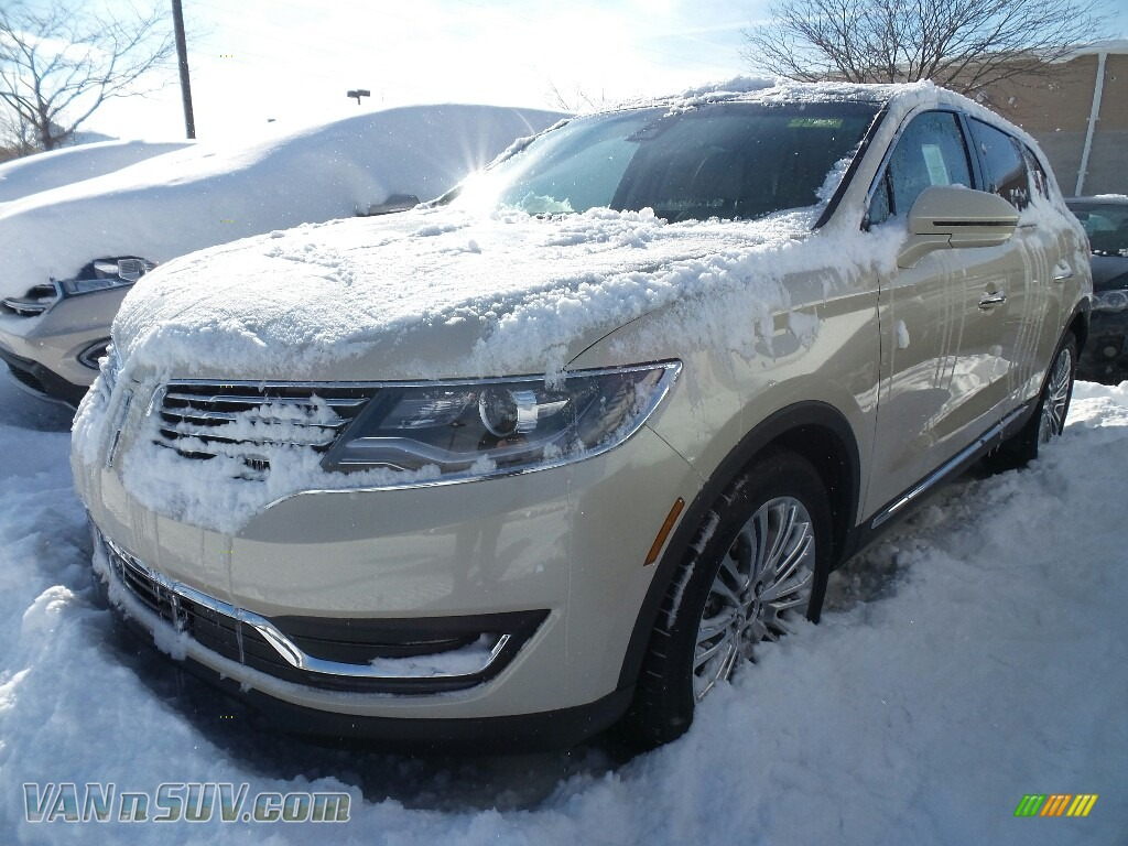 2018 MKX Reserve AWD - Ivory Pearl Metallic Tri-Coat / Cappuccino photo #1