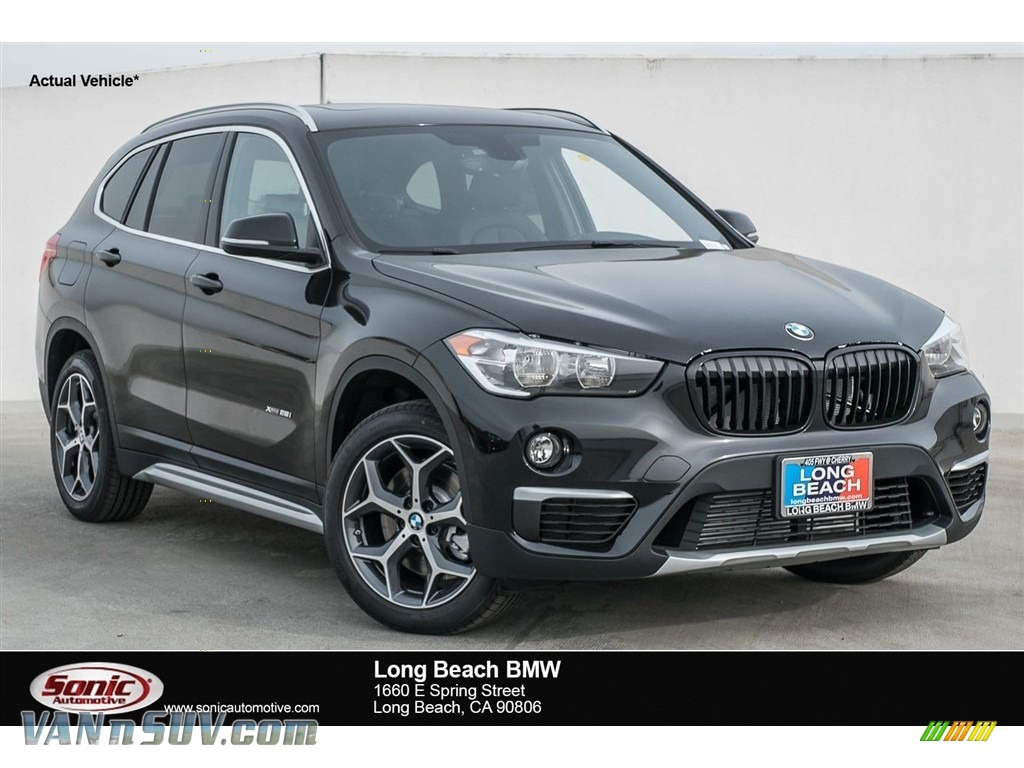 2018 X1 xDrive28i - Black Sapphire Metallic / Black photo #1