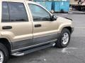 Jeep Grand Cherokee Laredo 4x4 Champagne Pearlcoat photo #3