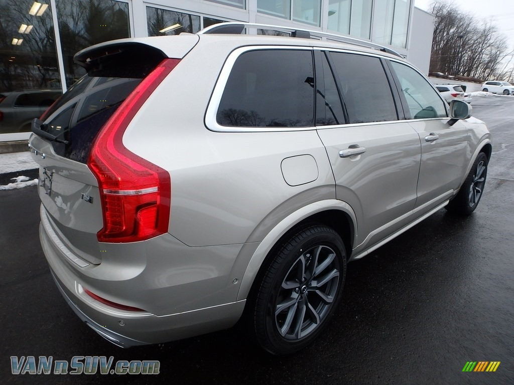 2018 XC90 T6 AWD Momentum - Luminous Sand Metallic / Blonde photo #2