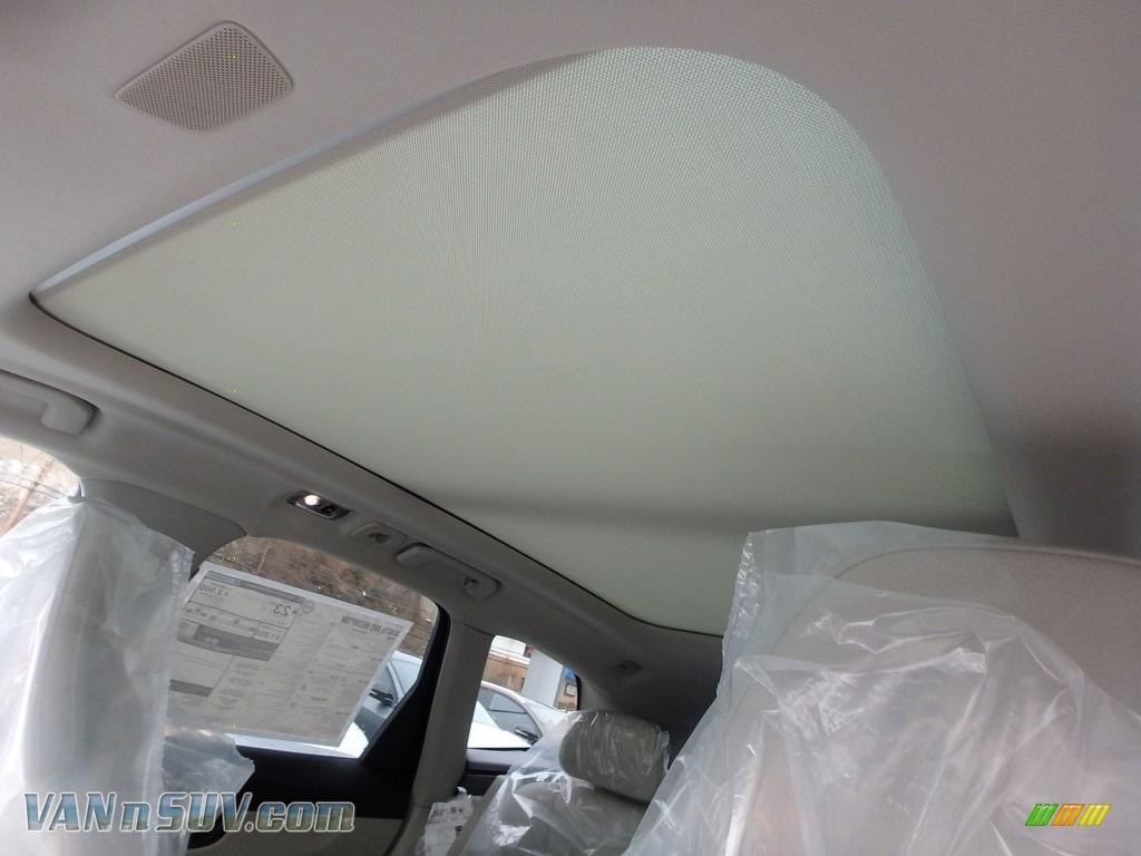 2018 XC60 T6 AWD Inscription - Maple Brown Metallic / Blonde photo #12